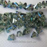 Бусины хрустальные 6мм Треугольник, прозрачный с зеленым АБ