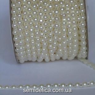 Полубусина на нитке 6 мм, молочный