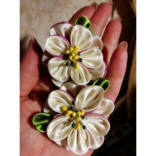 Резинка для волос лиловый цветочек