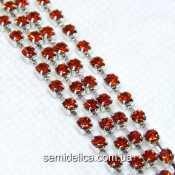 Стразовая цепь SS8 2.5мм, серебро с красно-оранжевым камнем